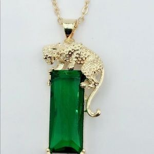 Jewelry - Green 💚3CTW Genuine CZ Leopard Pendent Necklace